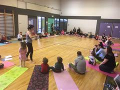 Yoga do Pháistí & Tuismitheoirí! Yoga for Kids & Parents!